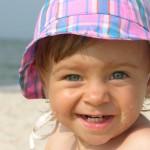 Солнышко: ласковое и жестокое. Как защитить кроху?