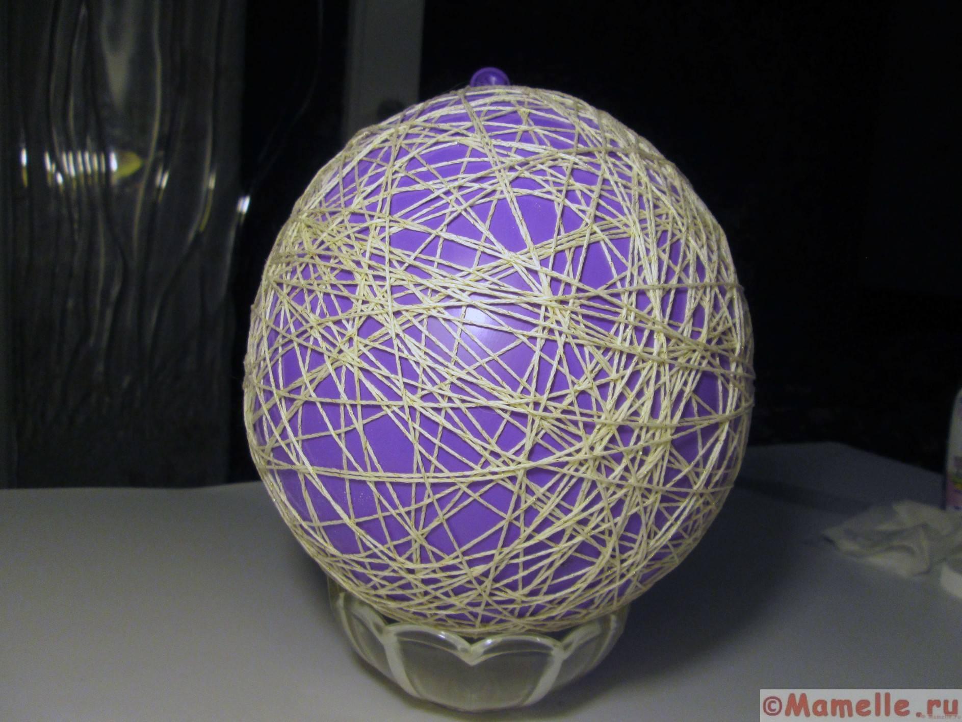Новогодний шар из ниток эффектная елочная игрушка